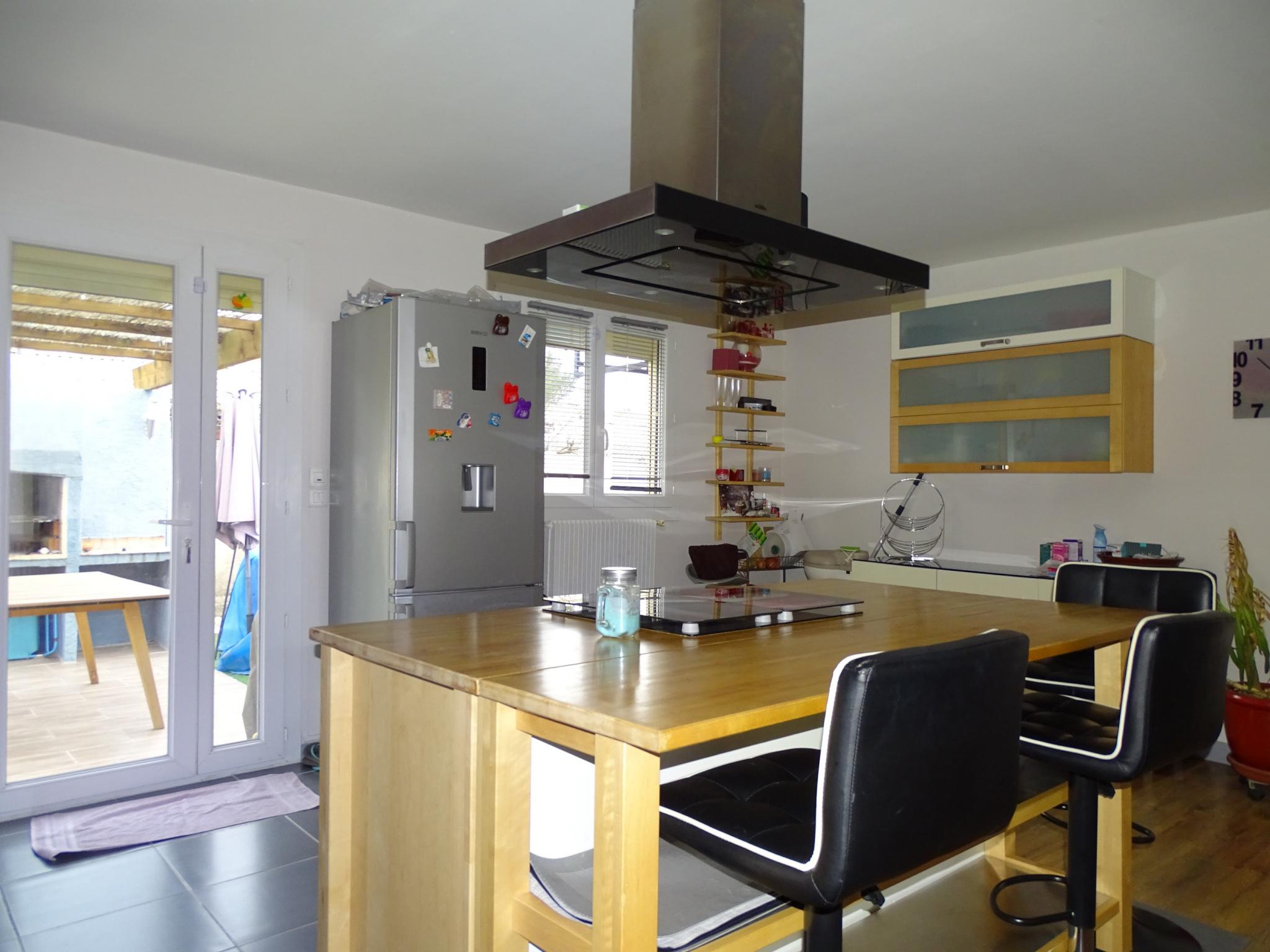Vente sous compromis par nos soins vente maison de plain pied 3 chambres garage pkgs cave - Soin des pieds maison ...